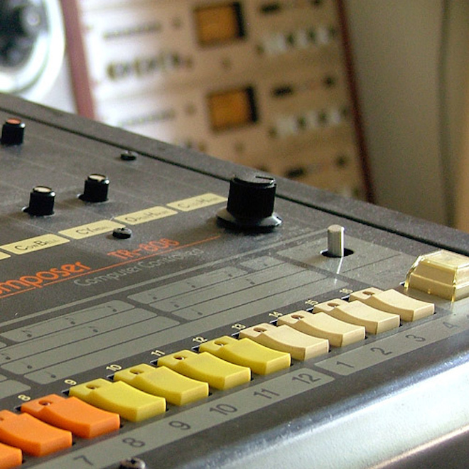 Roland_TR-808_-_the_classic_drum_machine