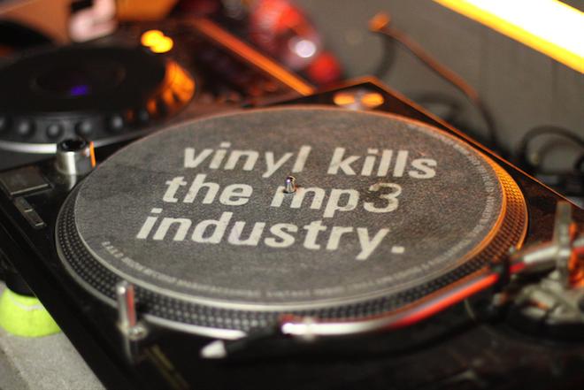 vinyl kills mp3